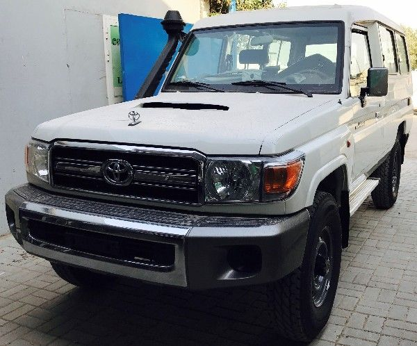 Toyota Land Cruiser Hard Top VDJ78 Diesel.